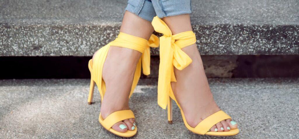 žlté sandále, sandále na podpätku