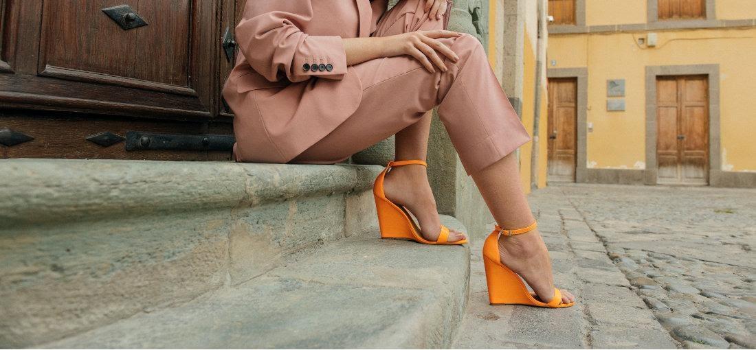 oranžové sandále, sandále na klinovom opätku
