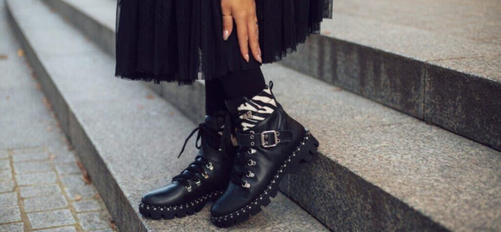 čierne členkové čižmy